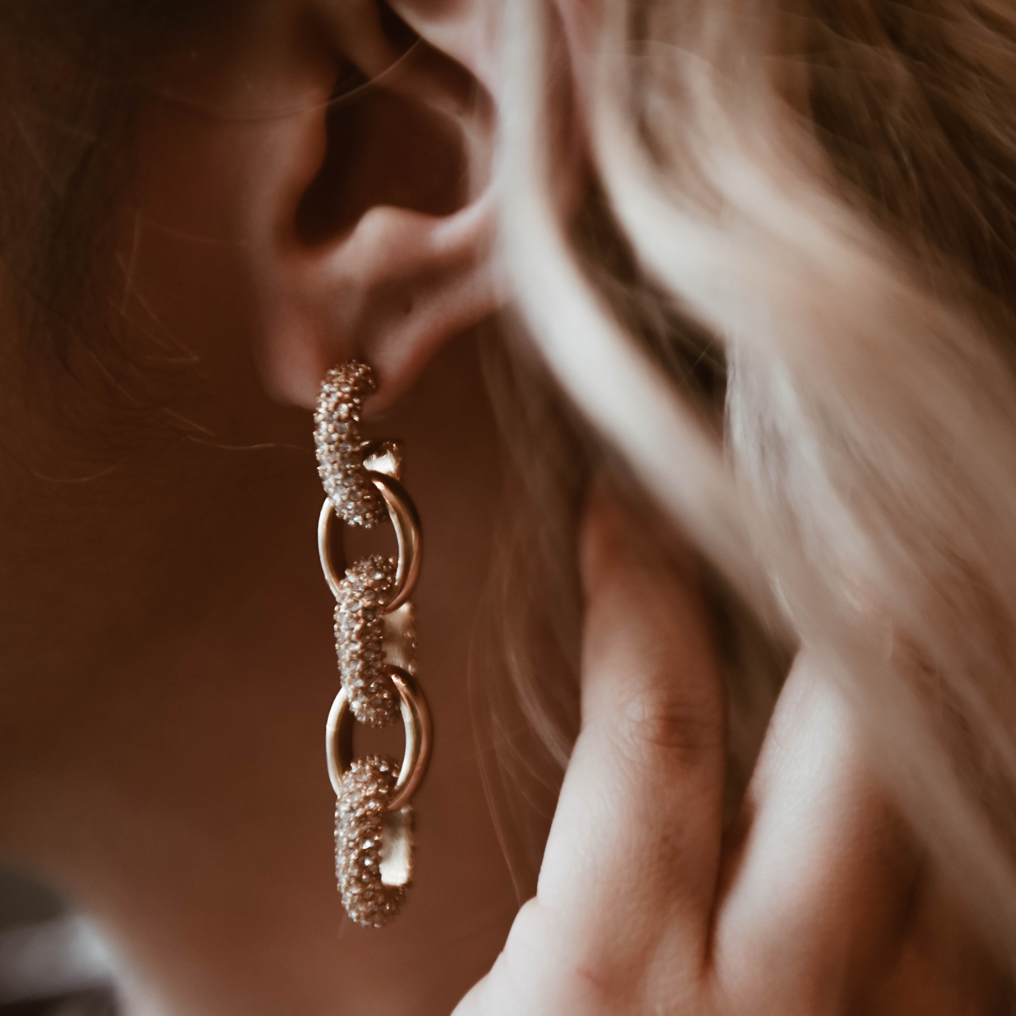 Still dreaming of these beautiful chain link earrings from Banana Republic.